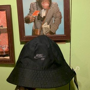 Brand new Nike SB bucket hat.